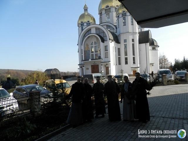 Тернопільсько-Зборівська архієпархія приєдналася до екоакції «Посади дерево миру»