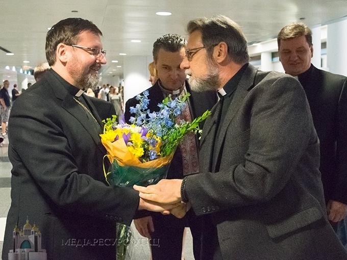 Владики УГКЦ прибули до Чикаго, де відбудеться засідання Постійного Синоду