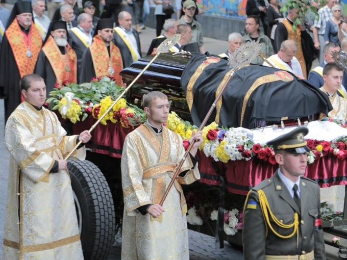 Tens thousands of Lviv residents paid a last tribute to Lubomyr (Husar)