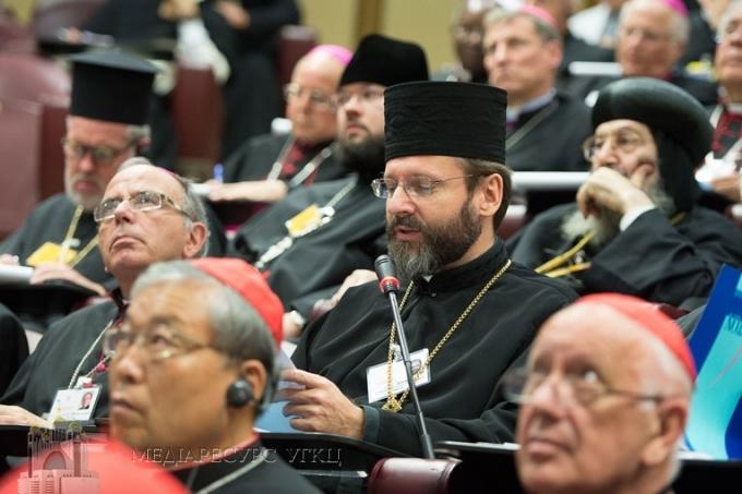 «Українська молодь шукає в Церкві спільноту, а не холодну інституцію», - Глава УГКЦ на Папському Синоді