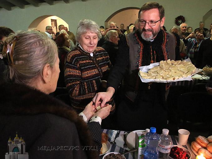 Глава УГКЦ розділив Святу вечерю з людьми похилого віку