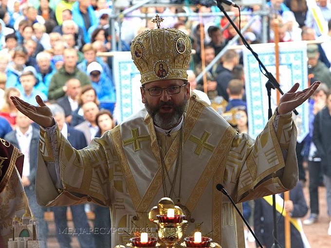 Блаженніший Святослав у Зарваниці: «Лінія фронту боротьби між добром і злом пролягає не десь на Сході України, а через моє серце»
