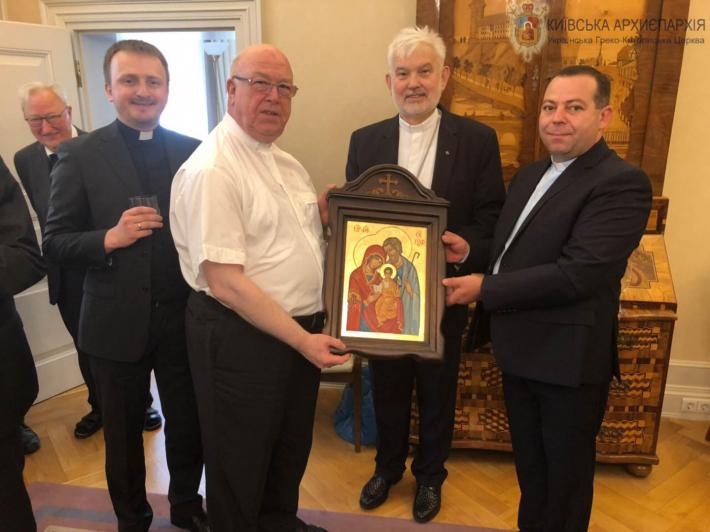 Єпископ Йосиф Мілян  бере участь в урочистих святкуваннях німецького міста Падеборн
