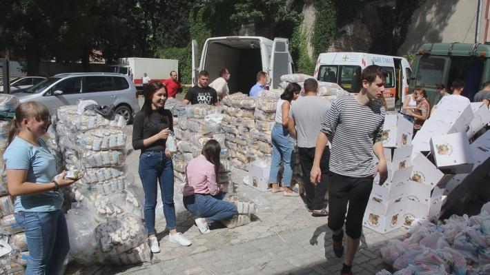Уже втретє волонтери Тернопільсько-Зборівської архиєпархії відвідали постраждалих від повені у Коломийській єпархії
