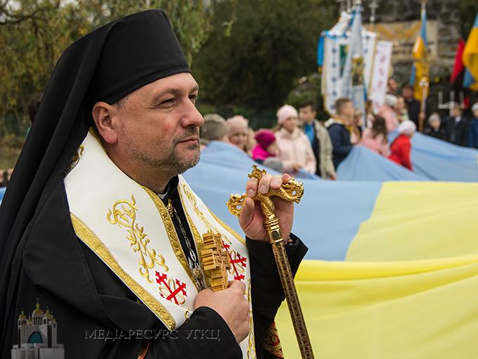 «Війна консолідувала наш народ та мобілізувала Церкву», − владика Богдан (Манишин) в ефірі «Живого ТБ»
