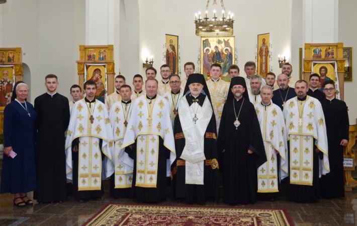 Єпископ Йосиф Мілян у Київській Трьохсвятительській духовній семінарії уділив піддияконські свячення