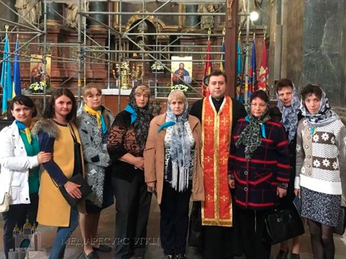 Гарнізонний храм у Львові відвідали матері загиблих Героїв України з Уманьщини