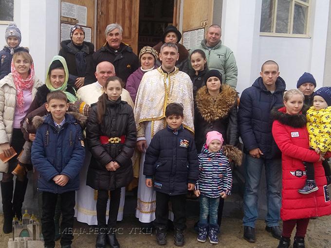 На Херсонщині в храмі УАПЦ вперше відслужили Літургію для вірних УГКЦ