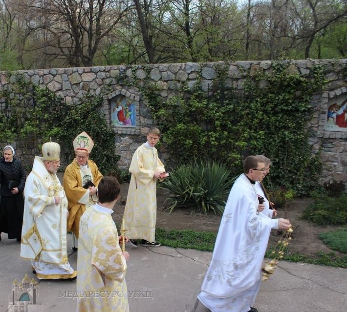 Римо- та греко-католики Запоріжжя разом пережили радість Христового Воскресіння