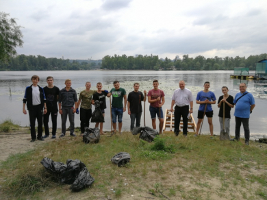 "Seminarians of Kyiv Spiritual Seminary participated in ecological campaign ""Clean up the Dnipro River – the cradle of baptism"""