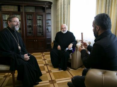 Єпископ Вірменської Апостольської Церкви подарував Главі УГКЦ дудук