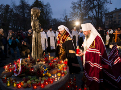 The Heads of the UGCC and the OCU jointly prayed a memorial service for the victims of the Holodomor