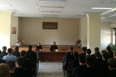 In Rome UGCC Head met with Ukrainian students and urged them to effectively use their time